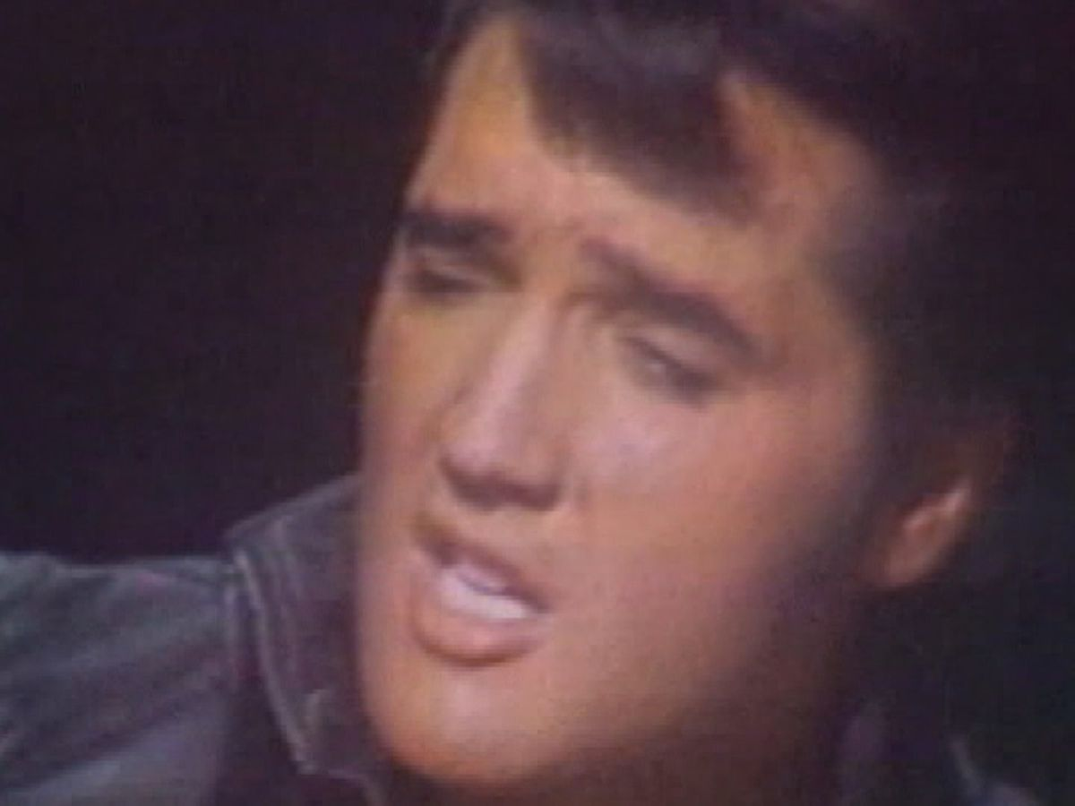 Fans gather from around the world to celebrate Elvis Presley's birthday at Graceland