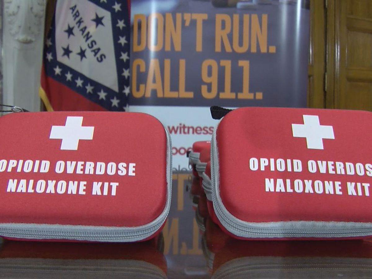 School nurses to receive training to combat opioid overdoses