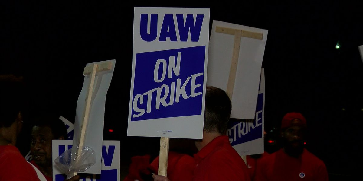 Memphis GM employees join nationwide union strike