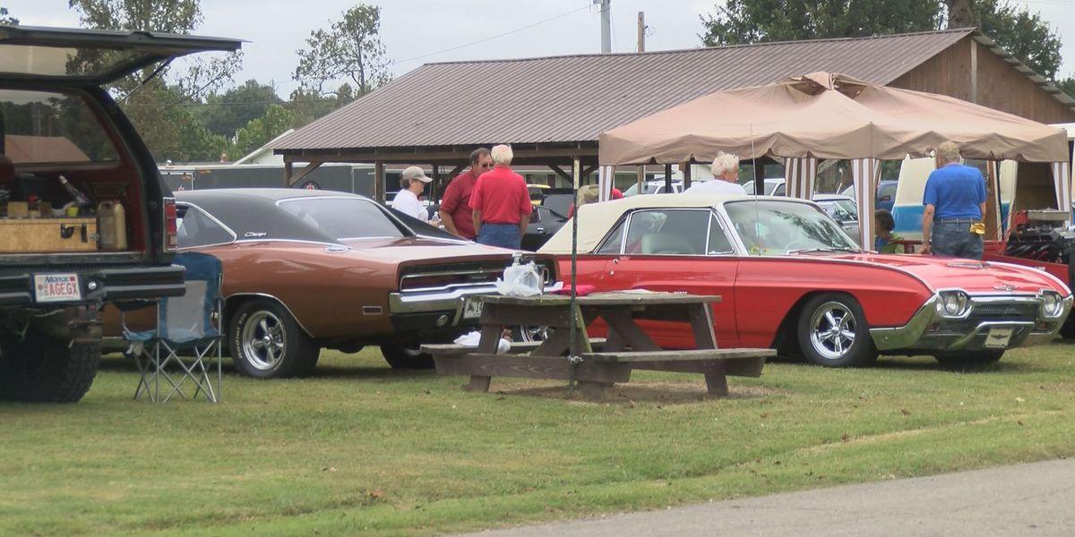 Paragould D.A.R.E. program holds community car show