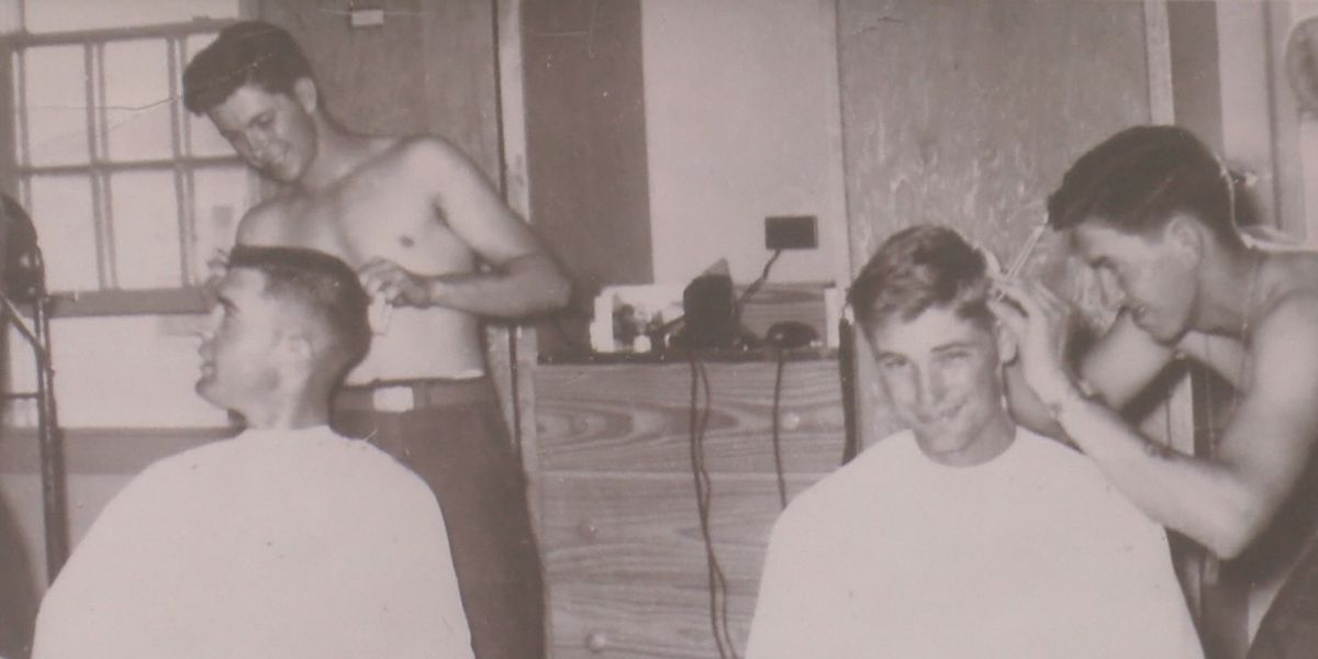 Twin brothers continue to cut hair after 60 years
