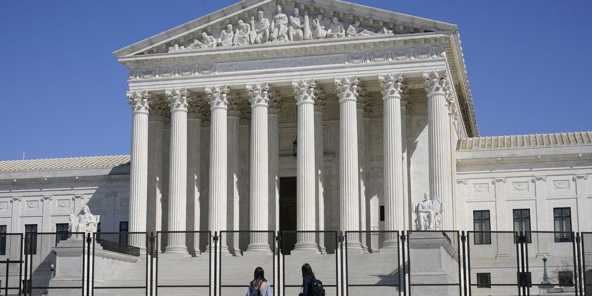 Supreme Court dismisses case over Trump and Twitter critics