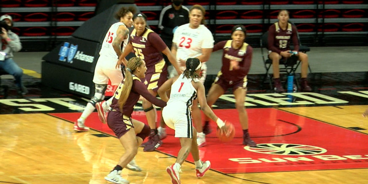 Arkansas State women's basketball beats Texas State in SBC opener for 6th straight win
