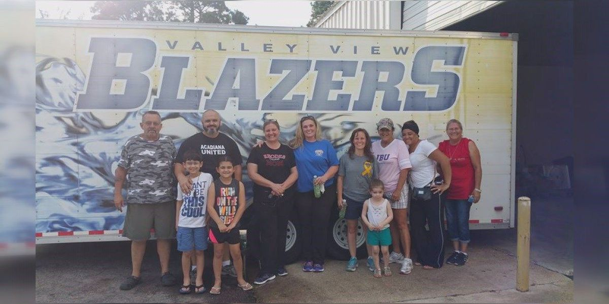 School delivers supplies to flood victims