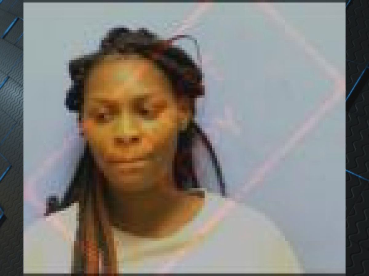 Woman injures Blytheville officer making arrest