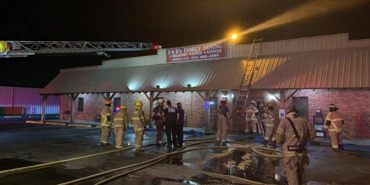 Crews battle fire at Kennett, Mo. restaurant