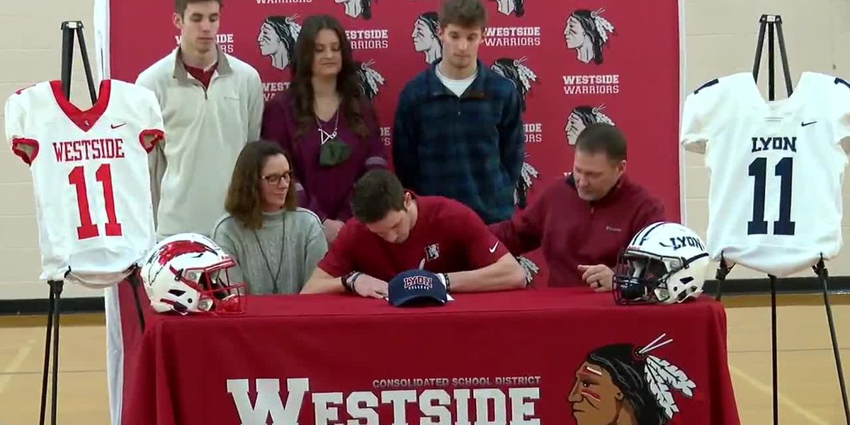 Westside QB River Engle & Palestine-Wheatley QB Bryce Hobson sign with Lyon