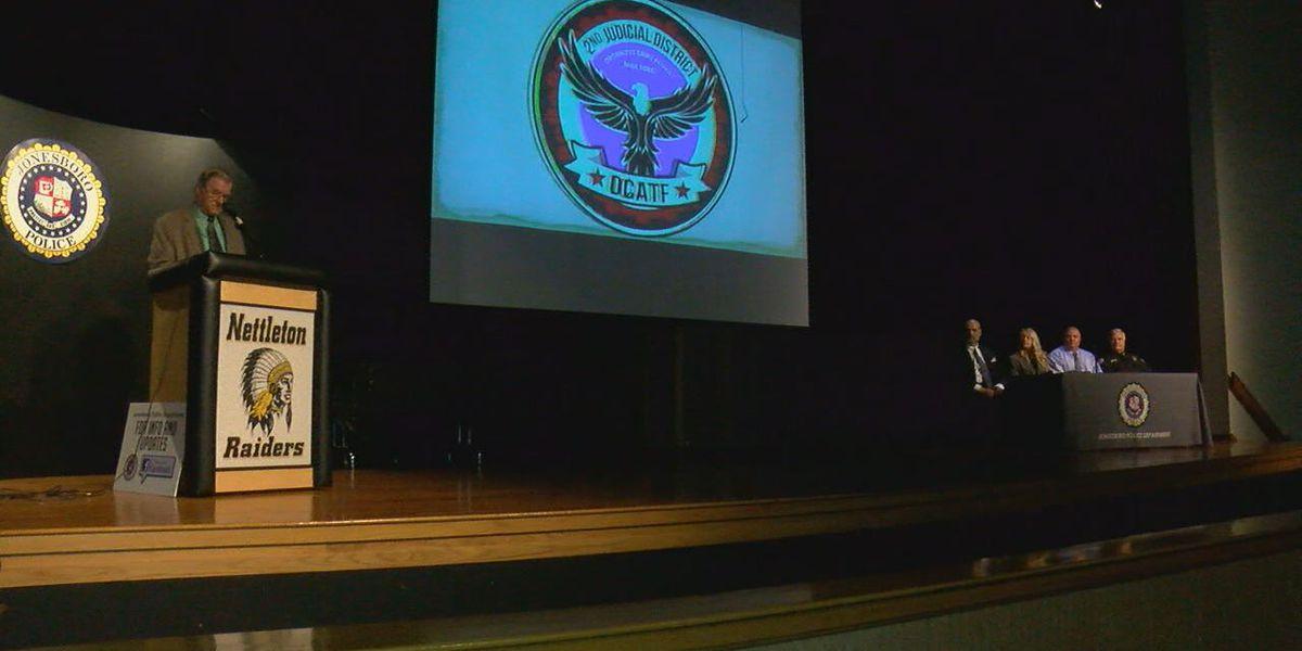 Forum encourages teamwork in combating region's gang activity