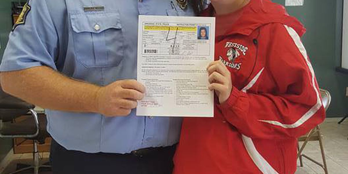 State trooper helps dyslexic teen pass driver's test