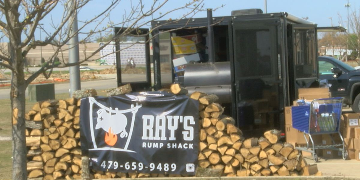 Northwest Arkansas BBQ company visits NEA to feed crews & citizens, impacted by Jonesboro tornado