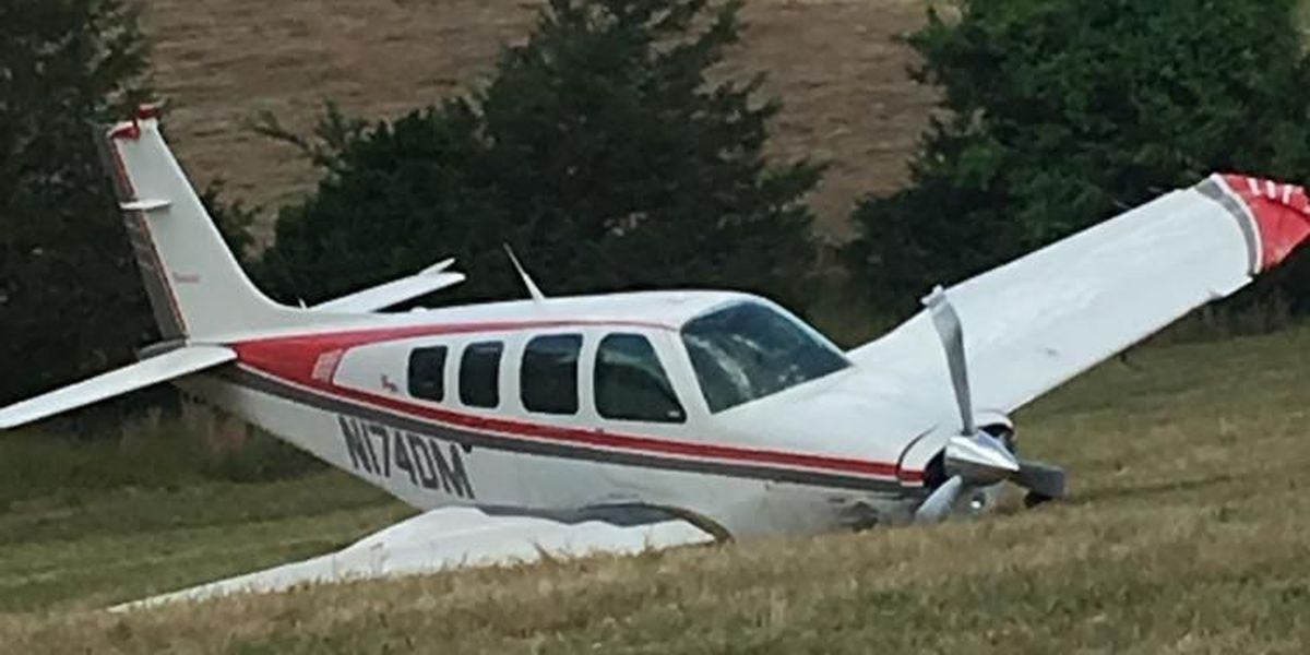 Small plane crashes in Baxter Co., 1 injured