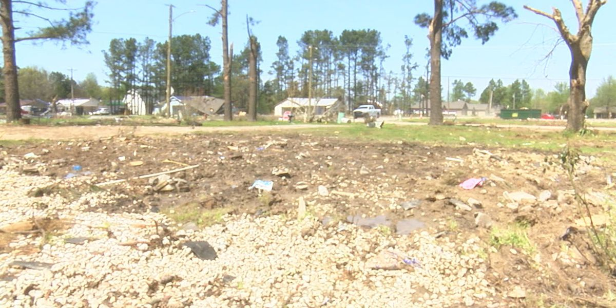 Families continue cleanup following Jonesboro tornado