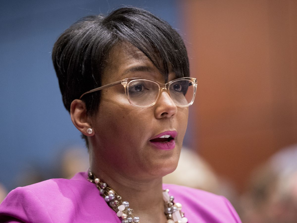 Atlanta mayor Keisha Lance Bottoms contracts COVID-19