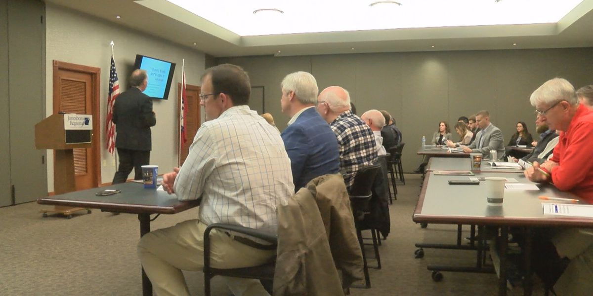 Supporters push for Issue 1 at Jonesboro meeting