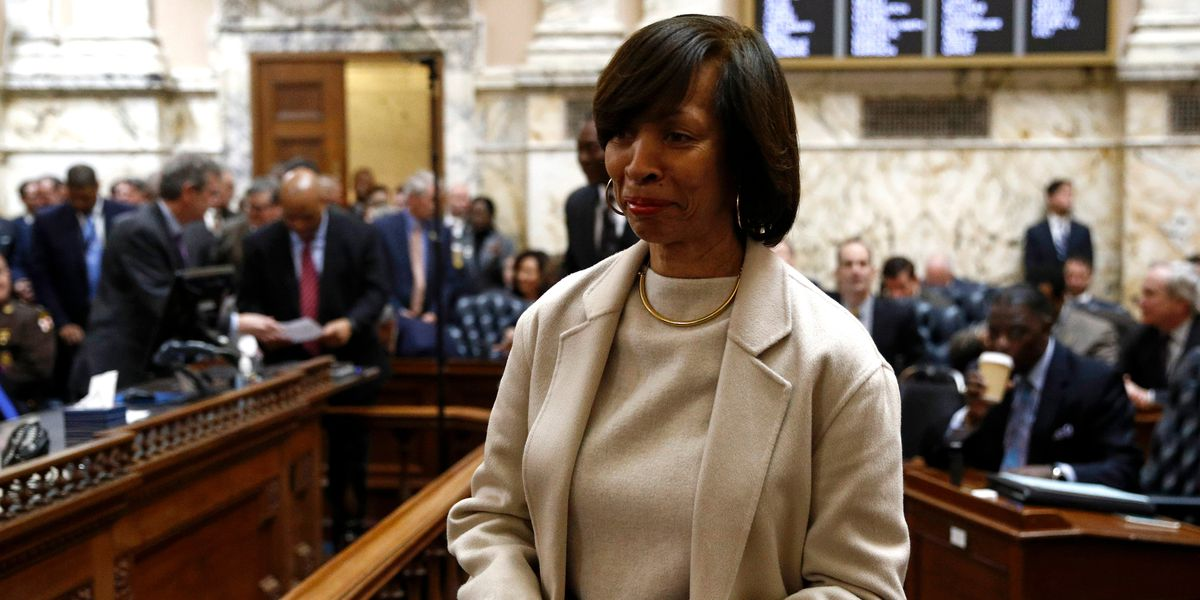 Searches by FBI, IRS add to Baltimore mayor's mounting woes