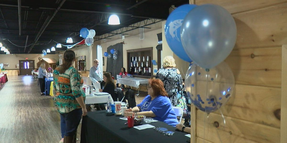 Arkansas DHS hosts Ice Fishing for Fosters recruitment event