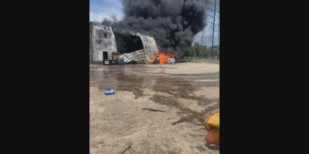 Multiple Mississippi Co. fire crews battle farm shop fire