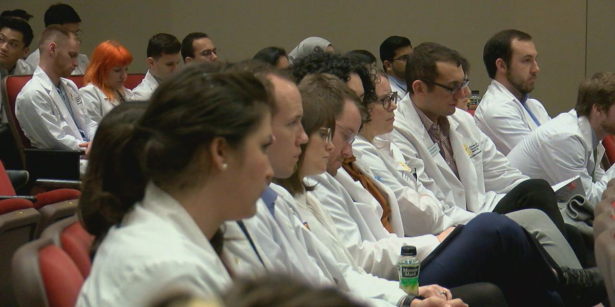 Future doctors discuss medical issues in region
