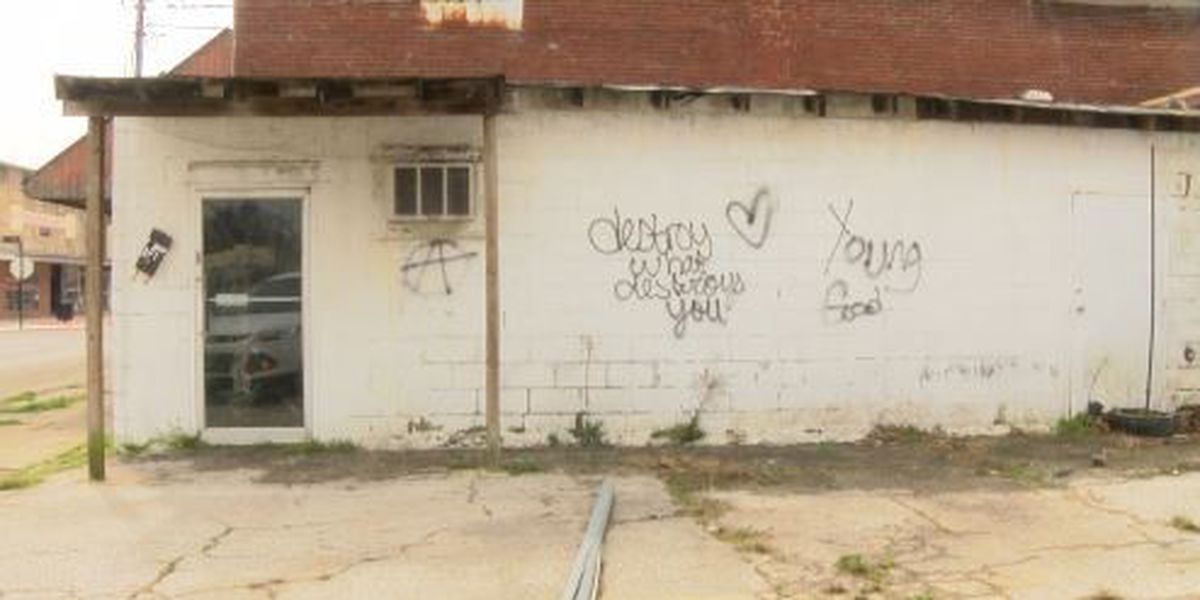 Unwanted art has some residents frustrated