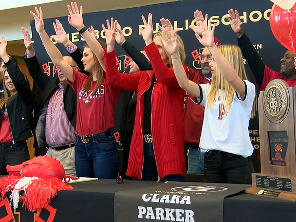 Jonesboro standout Clara Parker signs with Arkansas volleyball