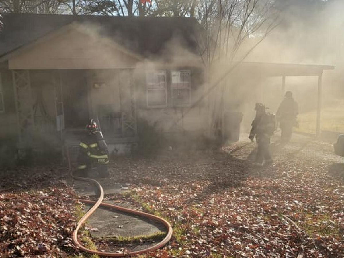 Jonesboro firefighters respond to fire on Haltom Street