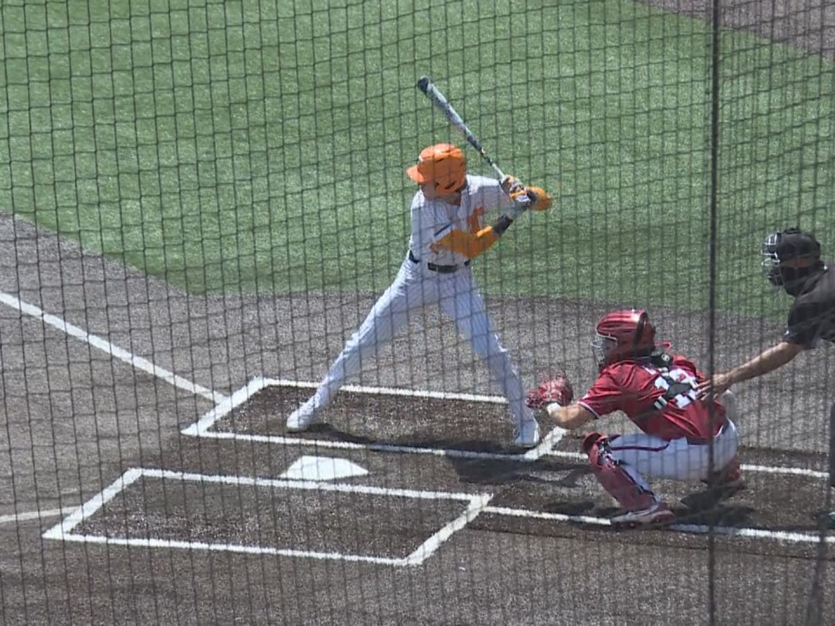 Vols beat Hogs in walk-off fashion