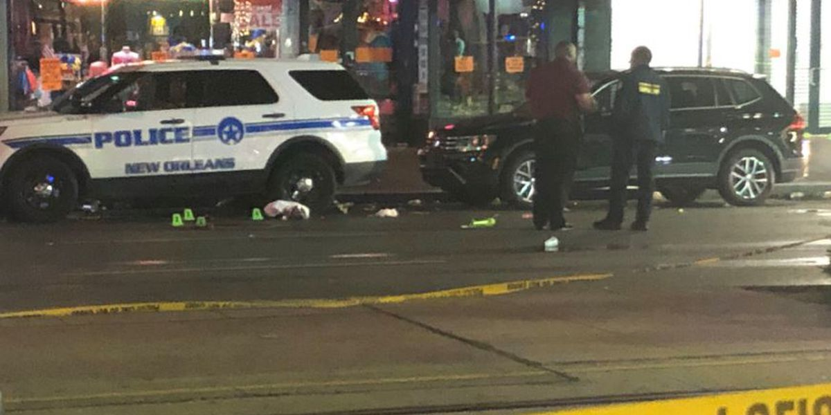 New Orleans PD: 10 people shot on Canal Street, 2 in critical condition
