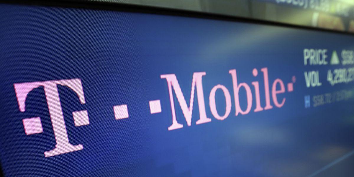 FCC calls hours-long T-Mobile service outage 'unacceptable'