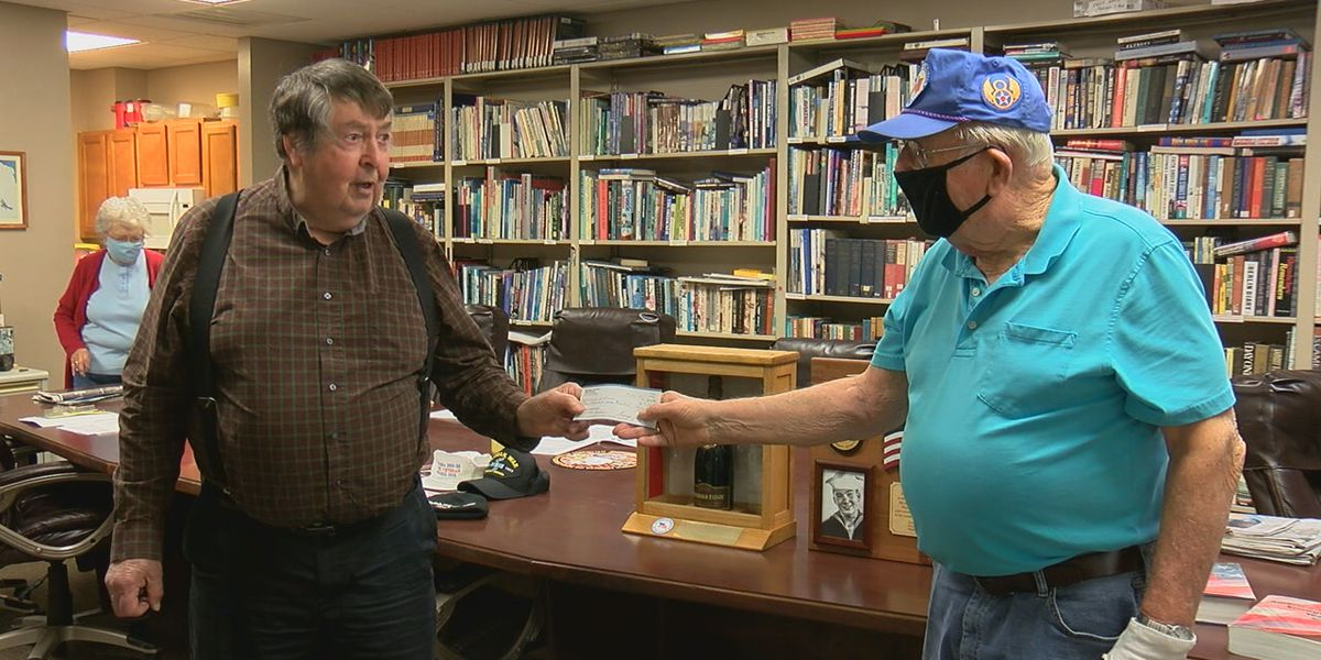 Disbanded veterans organization donates last check to museum