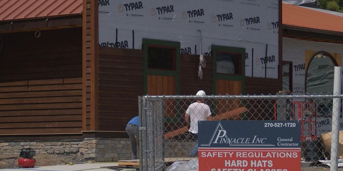 Patti's 1880's Settlement hopes to reopen October 1