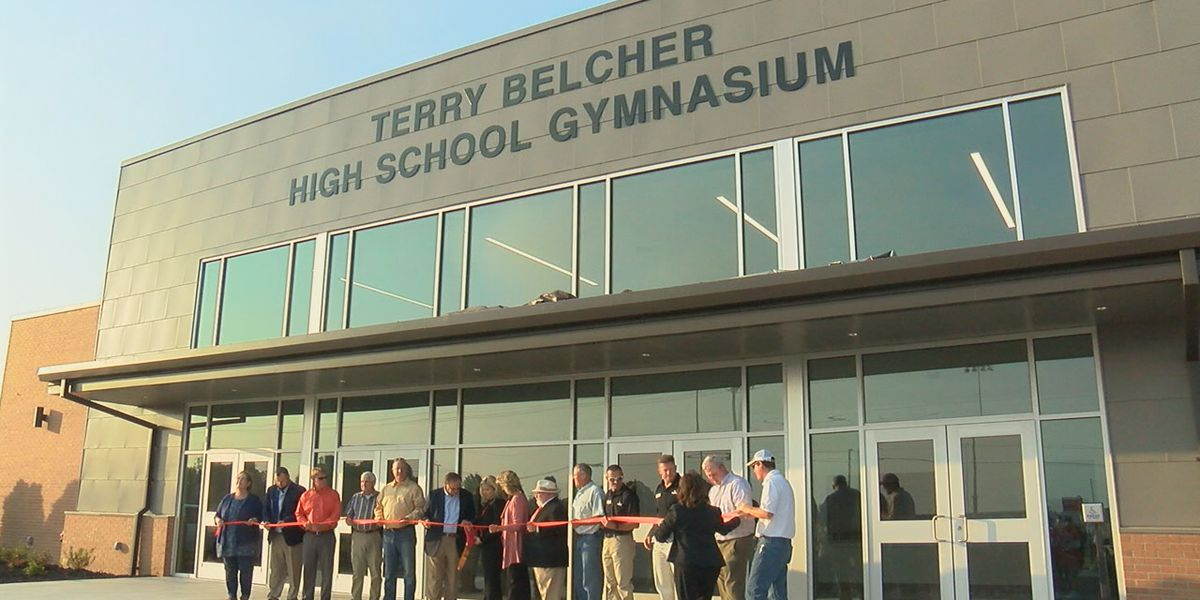 Walnut Ridge HS unveils new gymnasium named after longtime superintendent