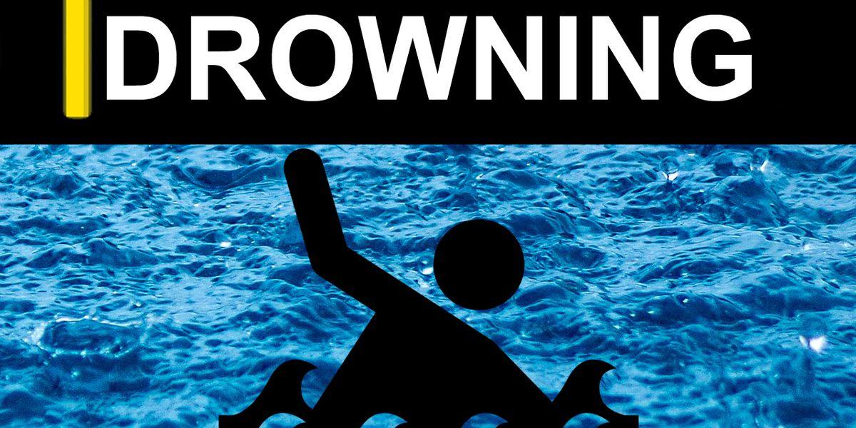 Man drowns in Izard County lake