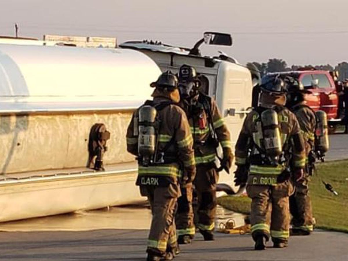 Crews respond to overturned tanker truck in Cardwell, Mo.