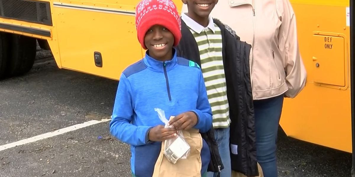 West Memphis schools provide lunch to students in need during time of social distancing