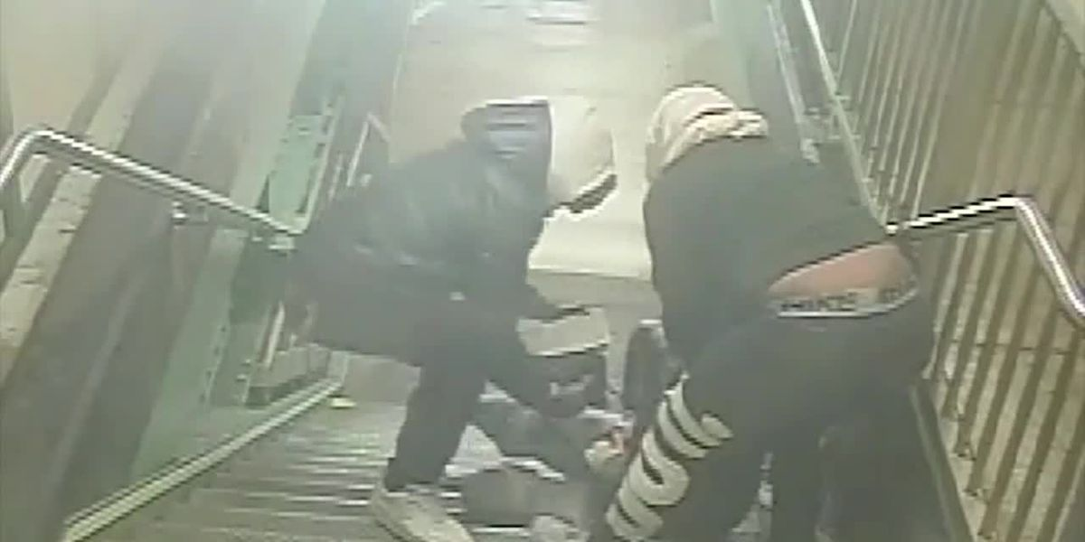 Caught on video: Women attacked, robbed at New York subway stop